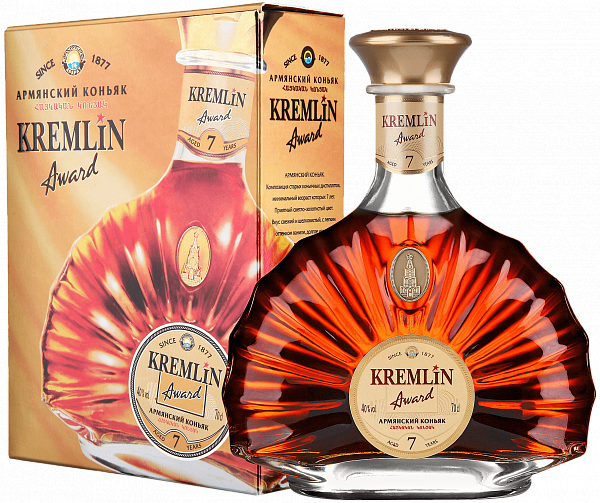 KREMLIN AWARD 7 Years (gift box),  0.7л